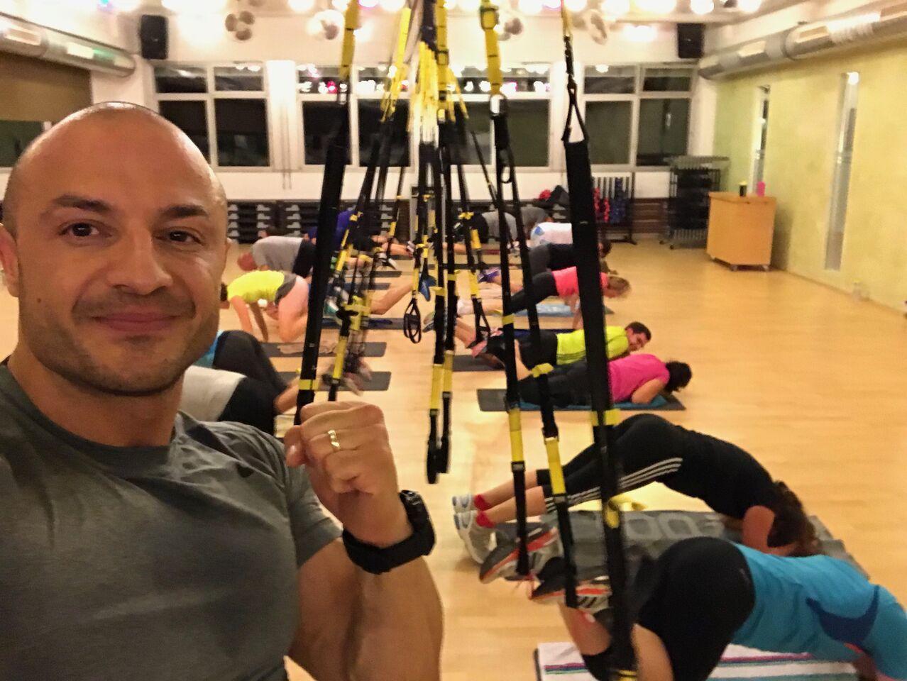 TRX Kurs im Fitnesstudio AJ´s mit Eddy